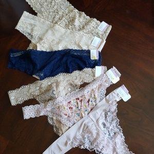 Set of 6 sexy lacey thongs + free thong